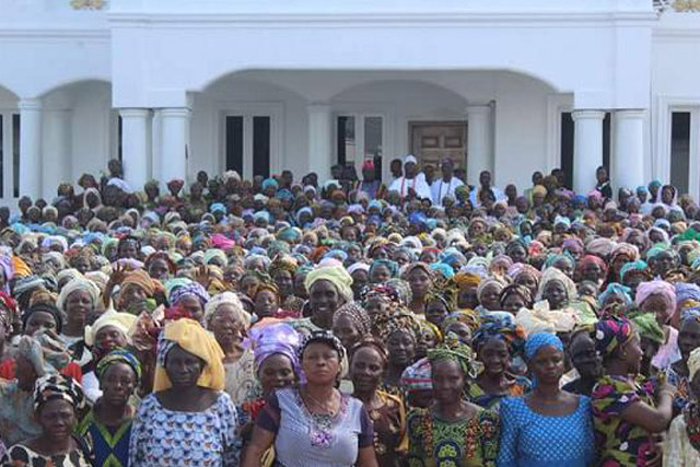 Thousands Of Widows Register For Ooni Adeyeye Ogunwusi's Widow Empowerment Scheme